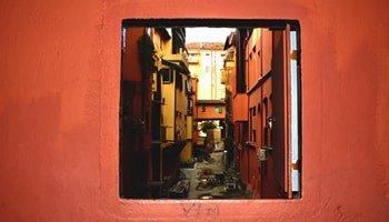 Le 6 vie più caratteristiche di Bologna in cui passeggiare - Via Piella